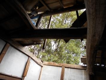 天井が飛ばされていました。